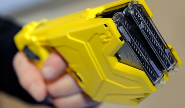 Officers overwhelmingly favour new Taser