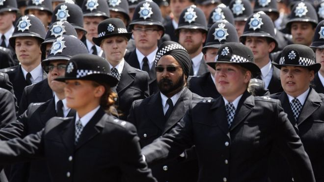 Police starting salary 'not enough' for Thames Valley