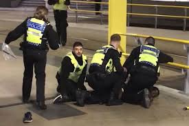 Manchester Victoria police officers 'threw themselves at knifeman without hesitation'