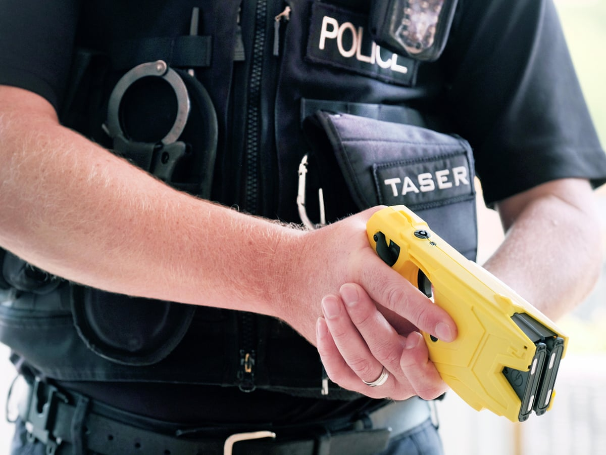 Police Officers allowed to Carry Taser in Court
